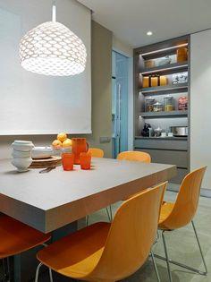 Porque el Gris no pasa de moda y pega con todo, atrévete #cocinasdediseño #cocinasmadrid #mueblesdecocina