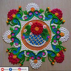 Simple Rangoli Border Designs, Easy Rangoli Designs Diwali, Rangoli Designs Latest, Latest Rangoli, Rangoli Designs Flower, Free Hand Rangoli Design, Rangoli Patterns, Small Rangoli Design, Rangoli Ideas