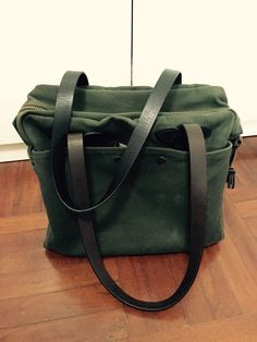 9445f282df0d My betrusted zippered tote in otter green