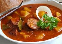 Czech Recipes, Ethnic Recipes, Thai Red Curry, Stew, Food And Drink, Treats, Red Peppers, Bakken, Sweet Like Candy