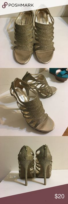 Sparkly gold heels Sparkly gold heels. Size 8.5. Fabric upper, woven like pattern. Chinese Laundry Shoes Heels