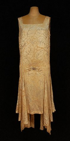 Dress Edward Molyneux, 1920s Whitaker Auctions