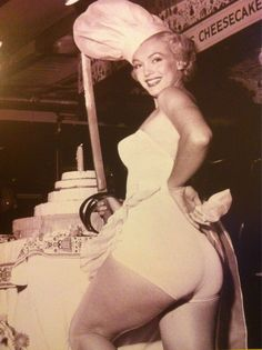 Marilyn as 1951 Miss cCheesecake. HELP STAMP OUT ANOREXIA. This looks soooooo much better than thin.