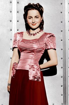 Olivia De Havilland, Ca. 1942 Photograph - Olivia De Havilland, Ca. 1942 Fine Art Print, TOP like this with those slacks for Karen Vintage Hollywood, Old Hollywood Glamour, Hollywood Actor, Golden Age Of Hollywood, Hollywood Stars, Hollywood Actresses, Classic Hollywood, Hollywood Divas, Hollywood Icons