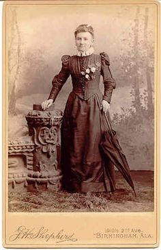 Victorian Ladies with Parasols | VICTORIAN lady with a parasol that matches her outfit.