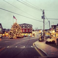 Downtown #Kennebunkport is already in full holiday mode #Maine