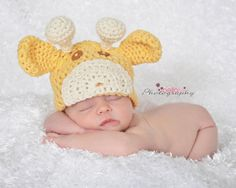 Giraffe beanie Little Giraffe, Diaper Covers, Photographing Kids, Children And Family, Crochet Hats, Beanie, Messages, Trending Outfits, Handmade Gifts