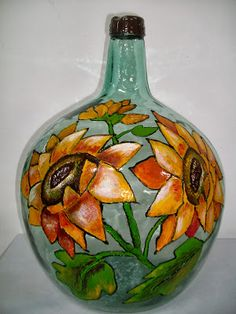 Orecunchodalola: crristal pintado Wine Bottle Art, Painted Wine Bottles, Wine Bottle Crafts, Bottles And Jars, Perfume Bottles, Glass Containers, Glass Jars, Mosaic Bottles, Stained Glass Paint