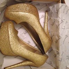 Gold pumps. 6 inch gold pumps that will make any outfit pop. Only been worn once. Comes with box. Shoes Heels