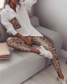 ivrose / Snake Contrast Pocket Top y Pantalones Trend Fashion, Estilo Fashion, Look Fashion, Ideias Fashion, Fashion Outfits, Parisian Fashion, Fashion Sets, Bohemian Fashion, Fashion Clothes