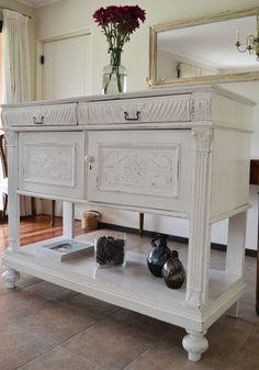 Como tantas veces, pintamos un mueble antiguo de blanco. Y como siempre pasa, queda lindísimo! Pero esta vez era muy importante para mí que ... Palazzo, Buffet, Cabinet, Storage, Furniture, Home Decor, Amor, Antique Furniture, White People