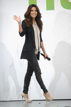 Eva Longoria media gallery on Coolspotters. See photos, videos, and links of Eva Longoria. Hollywood Fashion, Hollywood Style, Petite Fashion, Womens Fashion, Fashion Trends, Eva Longoria Style, Stella Mccartney Shoes, Hot High Heels, Zara