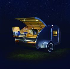 14 Best Off-Road Camper Trailers! Discover the best Off-Road Camper Trailers for your next camping adventure here in our guide that features the coolest off-road trailers you can buy! Motorcycle Camper Trailer, Off Road Camper Trailer, Trailer Build, Camper Trailers, Teardrop Camping, Teardrop Camper Trailer, Camper Caravan, Building A Teardrop Trailer, Small Camping Trailer