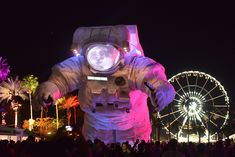 Coachella is a MUST one day...