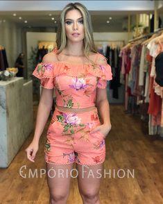Floral Two Piece, Girl Fashion, Fashion Outfits, Church Outfits, Two Piece Outfit, Playsuit, Plus Size Fashion, Going Out, Ideias Fashion