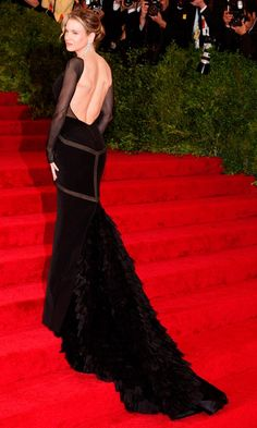 Renee Zellweger Made An Impact In This Flowing Black Dress At The Met Ball 2012