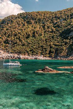 Saint Ioannis Beach in Skopelos island Skopelos Greece, Skiathos, Corfu, Places To Travel, Places To Go, Greek Island Hopping, Greece Holiday, Greece Islands, Wanderlust