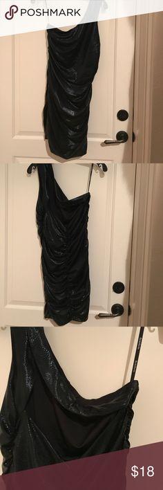 Bebe one shoulder snake runched dress L Bebe one shoulder snake runched dress L / like new! Cleaning out my closet🤗🤗 bebe Dresses Mini