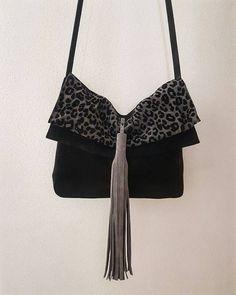 Bolso Camden en serraje negro y gris combinado con leopardo flocado en terciopelo