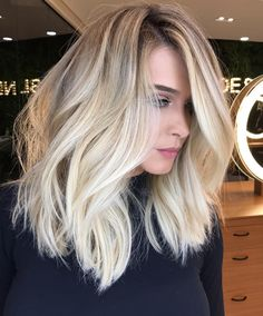 Voluminous Messy Extra Long Bob bob frisuren 60 Fun and Flattering Medium Hairstyles for Women Long Bob Blonde, Brown Blonde Hair, Blonde Balayage, Blonde Ombre Hair Medium, Long Blond Hair, Mid Length Blonde, Honey Balayage, Icy Blonde, Light Blonde