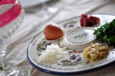 why a Christian family may celebrate Passover: a Messianic seder  I have those same dishes.