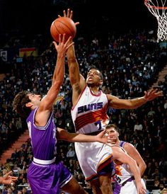 Kevin Johnson- McDonald's Open 1993 Basketball Skills, Sports Basketball, Basketball Players, John Stockton, Kevin Johnson, Nba Jam, Nba Stars, Phoenix Suns, Nba Players