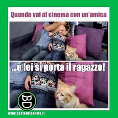 Al #cinema tra #amiche c'è qualcuno di troppo! #bastardidentro #ipnoticamentebastardidentro www.bastardidentro.it