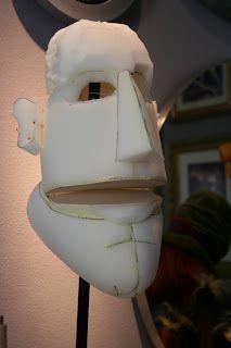 Puppet News - Puppet News --- #Theaterkompass #Theater #Theatre #Puppen #Marionette #Handpuppen #Stockpuppen #Puppenspieler #Puppenspiel Hand Puppets, Finger Puppets, Puppetry Theatre, Frozen Musical, Types Of Puppets, Foam Carving, Custom Puppets, Puppet Patterns, Marionette Puppet