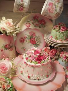 Gorgeous rose covered vintage plates and matching cakes. My kind of tea party!