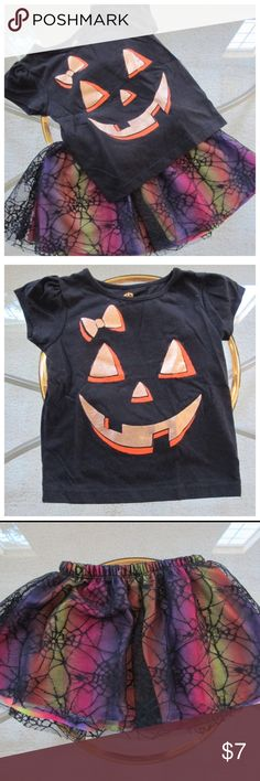18M - Adorable Toddler Halloween 2pc Outfit There's nothing scary about this cute 2 piece Pumpkin Halloween outfit. In perfect condition and looking for a new home.  Matching Sets