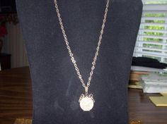 Vintage Antique  Gold Locket with Photo by vintagecitypast on Etsy, $20.00