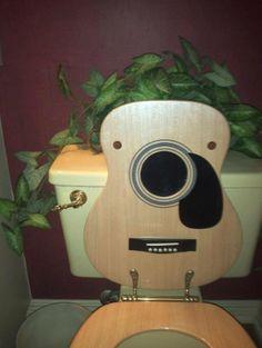 Une toilette pour les guitaristes.