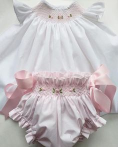 Best 12 Baby girl dress handmade smocked dress perfect for first Baby Girl Dress Patterns, Little Girl Dresses, Baby Girl Fashion, Kids Fashion, Fashion Fashion, Smocking Baby, Smocked Baby Clothes, Girls Smocked Dresses, Baby Sewing