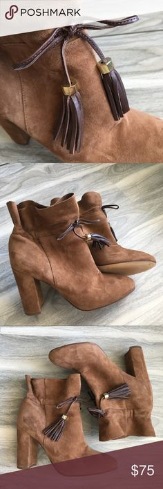 "Firm Louise et cie brown suede ankle booties 6 NWT Louise et cie brown suede ankle boots NWT. Leather upper. Gorgeous!! I love these wow. 4"". Will come without box. Bottom may have sticky residue from sticker and marks from trying on. louise et cie Shoes Ankle Boots & Booties"