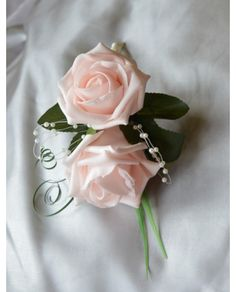 Mother Of The Bride/Groom Corsage - Mums buttonhole, Any Colour Roses with Pearls and curled grass