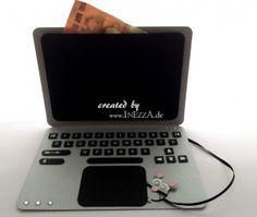 Eine Geldkarte in Form eines Laptops habe ich gebastelt. Sie sieht fast echt aus und kam auch sehr gut an. New Crafts, Book Crafts, Paper Crafts, Shaped Cards, Diy Gifts, Laptops, Stampin Up, Form, Birthdays
