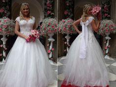 Ellen Rocche grava cenas vestida de noiva (Foto: Viviane Figueiredo/Gshow)