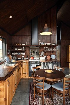 High Country Cabin Modern Home in Ben Ohau, Canterbury, New Zealand… on Dwell Drop Ceiling Lighting, Cabin Lighting, Pendant Lighting, Lighting Ideas, House Lighting, Industrial Kitchen Design, Industrial Kitchens, Industrial Lamps, Modern Kitchens