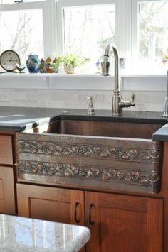 Embossed copper farmers sink Copper Farmhouse Sinks, Farmhouse Style Kitchen, Copper Sinks, Farmhouse Ideas, Kitchen Sink Design, Kitchen Cabinet Styles, Kitchen Sinks, Cottage Design, House Design