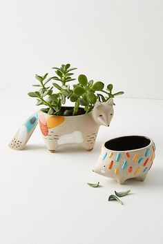 Charming Animal Pot Design Ideas For Indoor Mini Planters Diy Clay, Clay Crafts, Ceramic Clay, Ceramic Pottery, Ceramic Animals, Clay Pots, Woodland Animals, Pet Gifts, Handmade Pottery