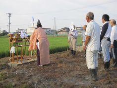 【虫送祭】平成24年8月6日午前6時より、巴会が運営する「谷地八幡宮奉納御神田」にて『虫送祭(むしおくりさい)』が斎行されました。