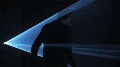 Anthony McCall : Five Minutes of Pure Sculpture(Installation)