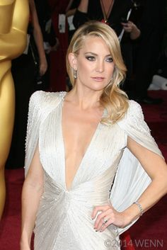 Kate Hudson's Simple Diet & Fitness Tricks are revealed in this article! Celebrity Diets, Simple Diet, Reaching For The Stars, Easy Diets, Kate Hudson, Fitness Diet, Weight Loss, Motivation, Wedding Dresses