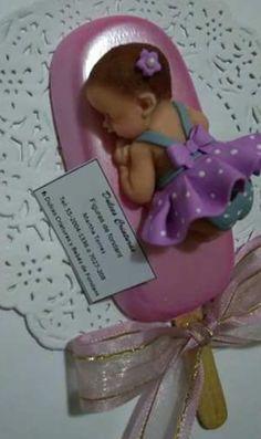 @AranzaDrive Baby Shower Candy, Baby Shower Desserts, Baby Shower Favors, Baby Shower Parties, Baby Shower Themes, Shower Ideas, Cake Pops, Paletas Chocolate, Pink Velvet Cupcakes