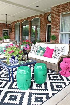 Dimples and Tangles Small Backyard Patio, Backyard Patio Designs, Pergola Patio, Patio Ideas, Small Pergola, Modern Pergola, Gazebo, Budget Patio, Outdoor Living Areas