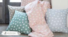 Guter Schlaf ist nicht nur eine Frage von Matratze & Lattenrost – die Bettwäsche ist ebenso entscheidend! Ganz besonders schön ist diese mit Sternen-Muster!