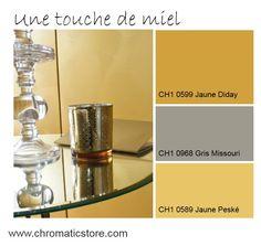 Les jaunes prennent la couleur du miel en 2016 : avec du gris, les ambiances sont très contemporaines. www.chromaticstore.com #deco #inspiration #jaune #entrée