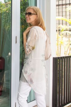 c75cd85814a9b 40+Style Casual Style Challenge – Outfit 3 – layering with a sheer blouse