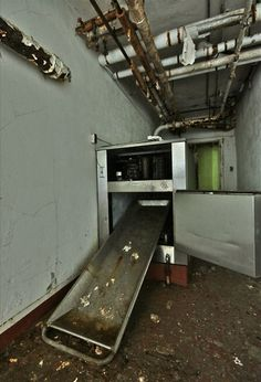 Thorndorn Sanatorium (NJ): Morgue - Single body refrigeration system?