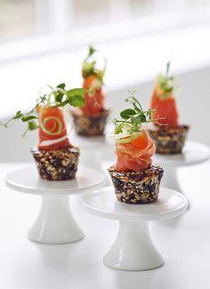 Med det rette udstyr til den rette pris, kan du hurtigt lave en festlig og smuk anretning #inspirationdk #borddækning